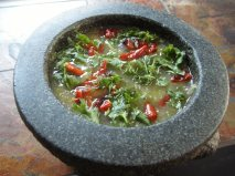Sauce verte avec chiles séchés - salsa de tomatillo con chiles cascabeles y chiles guajillos